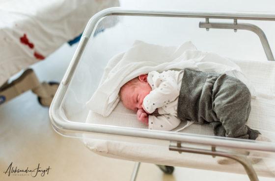 Sesja noworodkowa w szpitalu, 2h po narodzinach